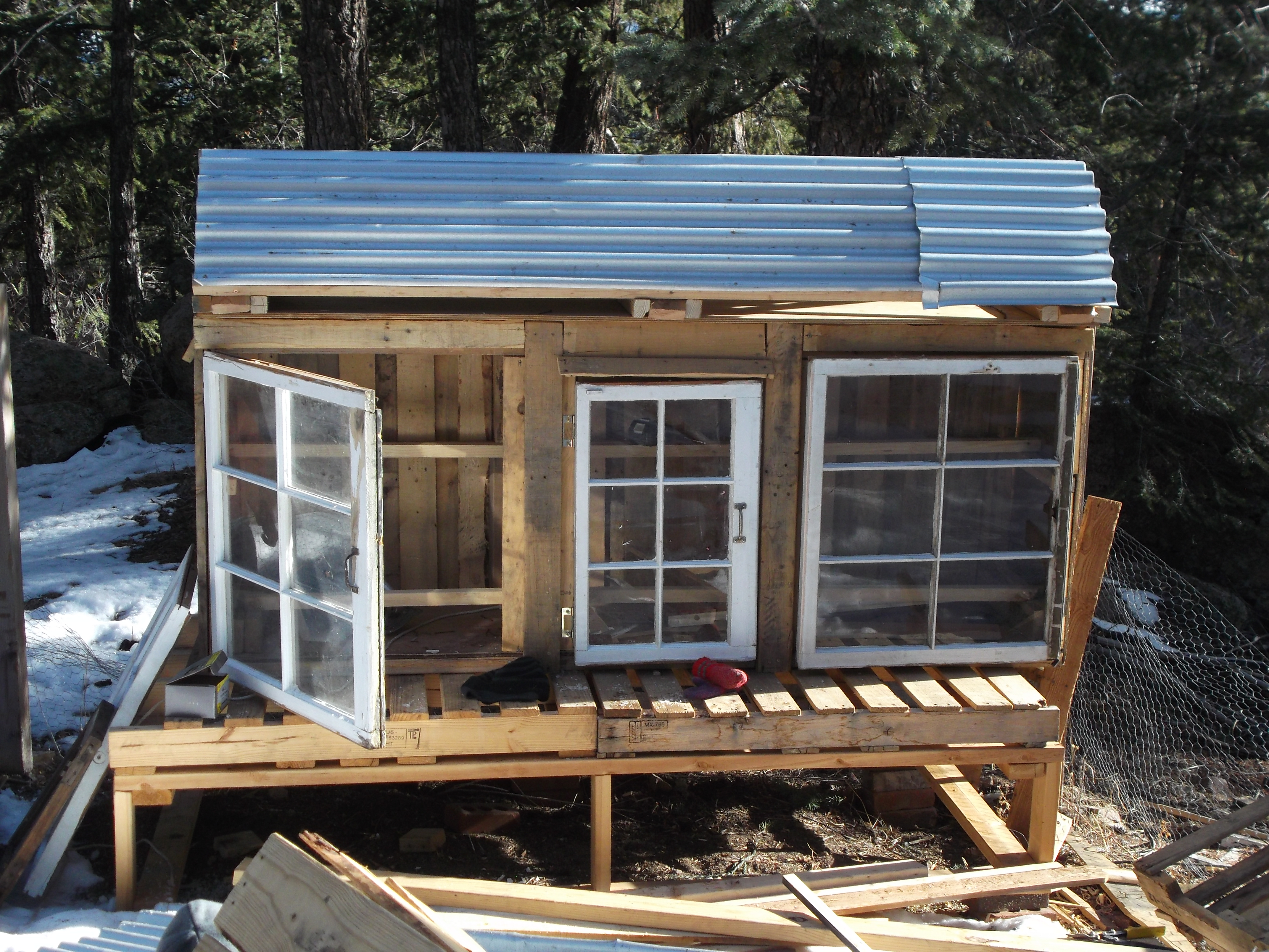 How To Build A Chicken Coop From Wood Pallets Plans