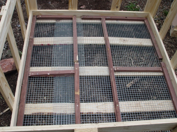 repurposed pallet rabbit hutch