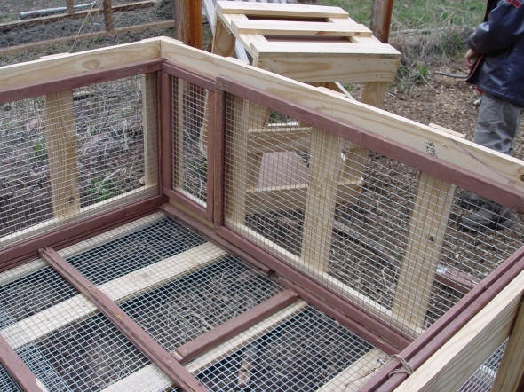 rabbit hutch out of recycled materials