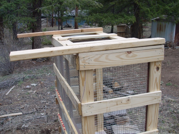 pallets for rabbit cage DIY